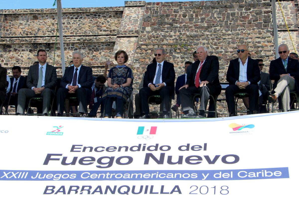 Encendido del Fuego Nuevo en Teotihuacán rumbo a Barranquilla
